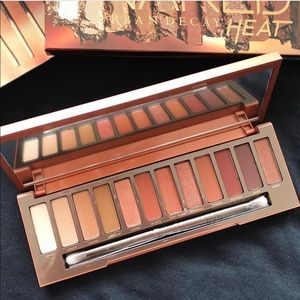 "Naked Urban Decay ""Heat"" Palette 🔥"